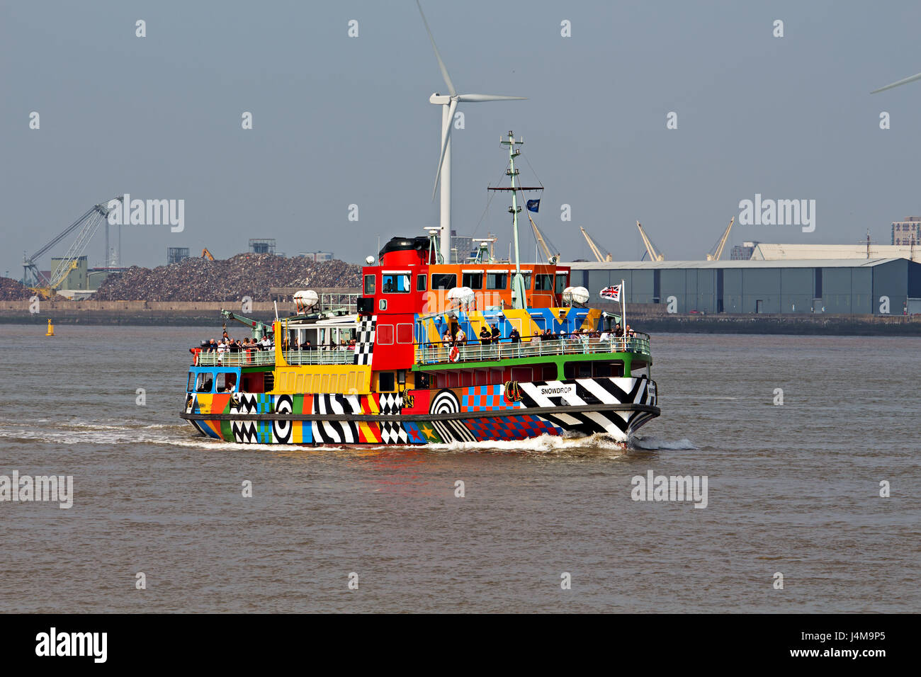 Dazzle Ferry sailing on the River Mersey Liverpool, created by Sir Peter Blake,  as part of the First World War - Stock Image