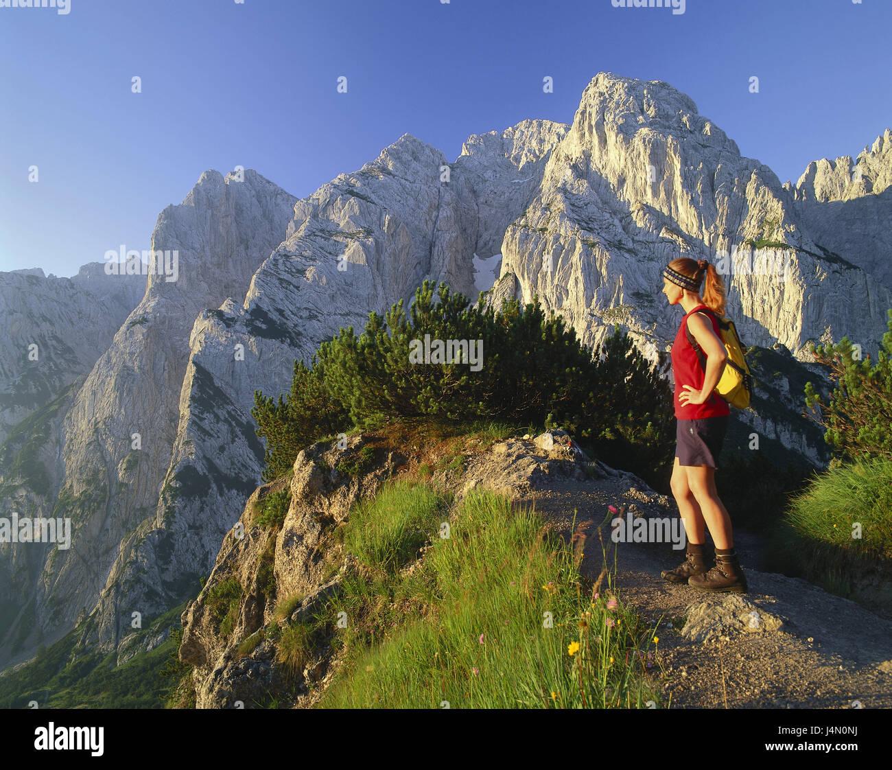 Austria, Tyrol, Kaisergebirge, traveller, view, enjoy, no model release, person, vacation, leisure time, hobby, Stock Photo