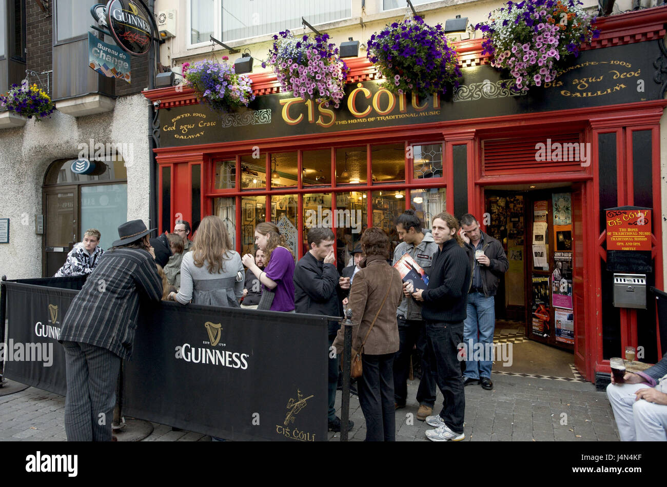 Ireland Galway Tig Coili Pub High Resolution Stock Photography And Images Alamy