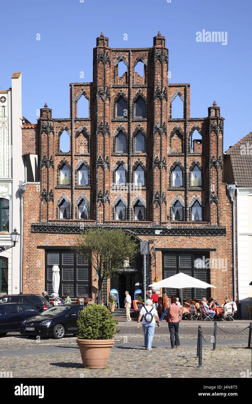 Germany, Mecklenburg-West Pomerania, Wismar, in the market, restaurant 'old boy', - Stock Image