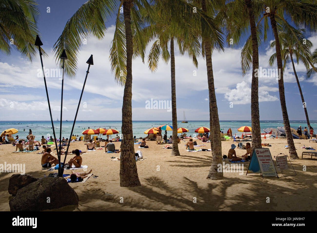 The USA, Hawaii, Oahu Iceland, Honolulu, Waikiki Beach, bathers, the Hawaiian Islands, destination, beach, beach - Stock Image