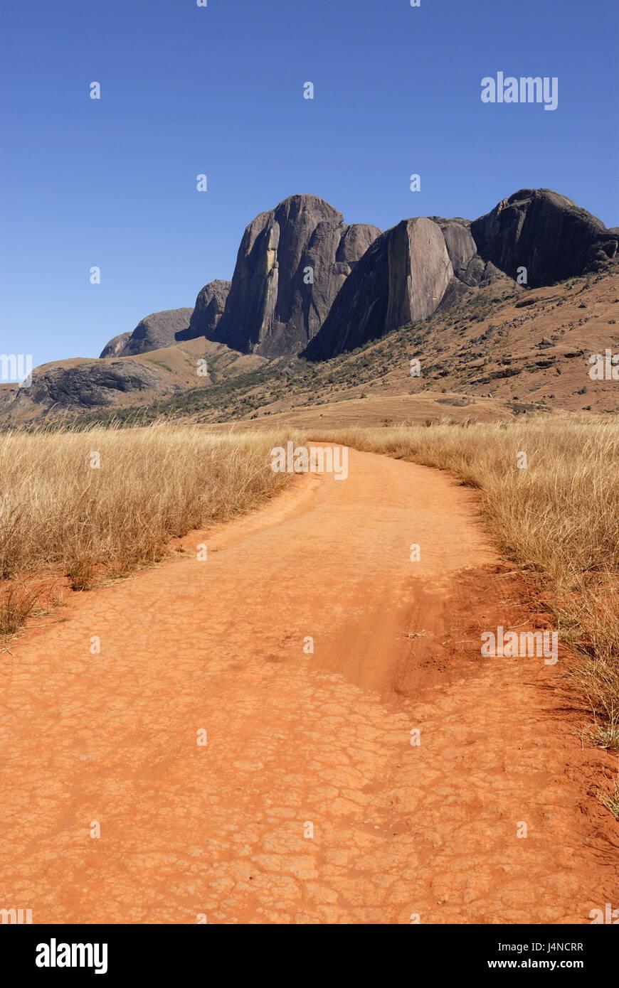Sand runway, mountains, Andringitra Nationwide park, Madagascar, - Stock Image