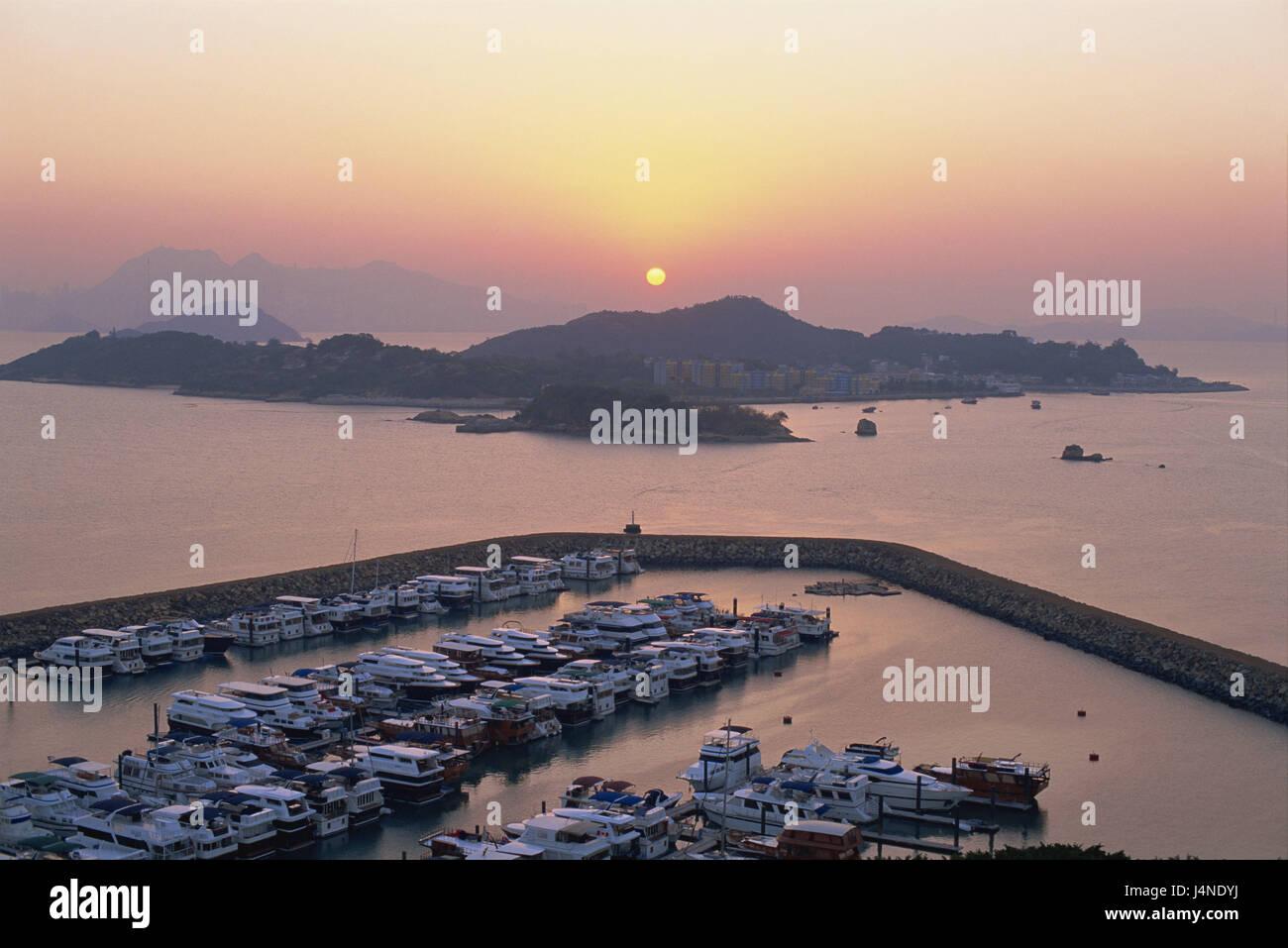 China, Hong Kong, Lantau Iceland, Discovery Bay Marina club, Bang Chau Iceland, sea, sundown, Asia, town, island, - Stock Image