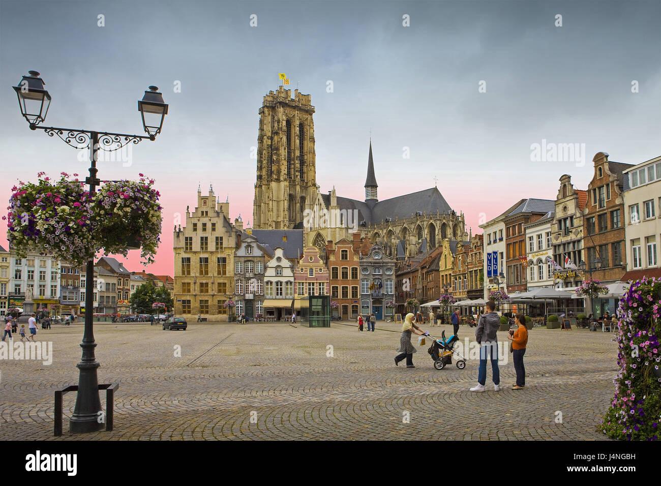 Belgium, Mecheln, St. of Romuald cathedral, passer-by, Stock Photo