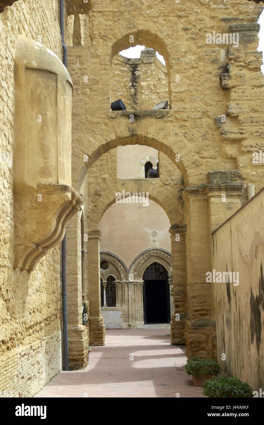 Italy, island Sicily, Agrigento, Santo Spirito cloister, detail, - Stock Image