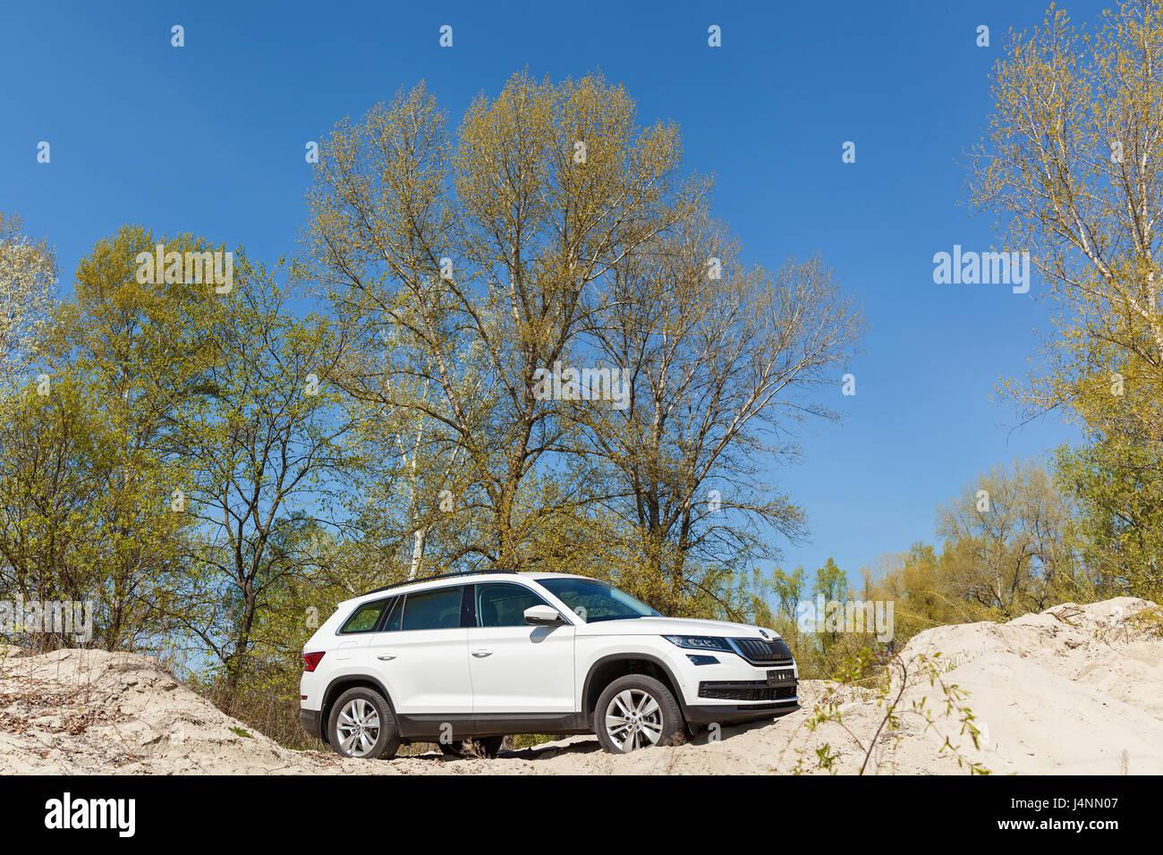 Ukraine, Kyiv 25 april 2017  car Skoda Kodiaq 2.0 TDi model year 2017 test drive  of car on sand - Stock Image