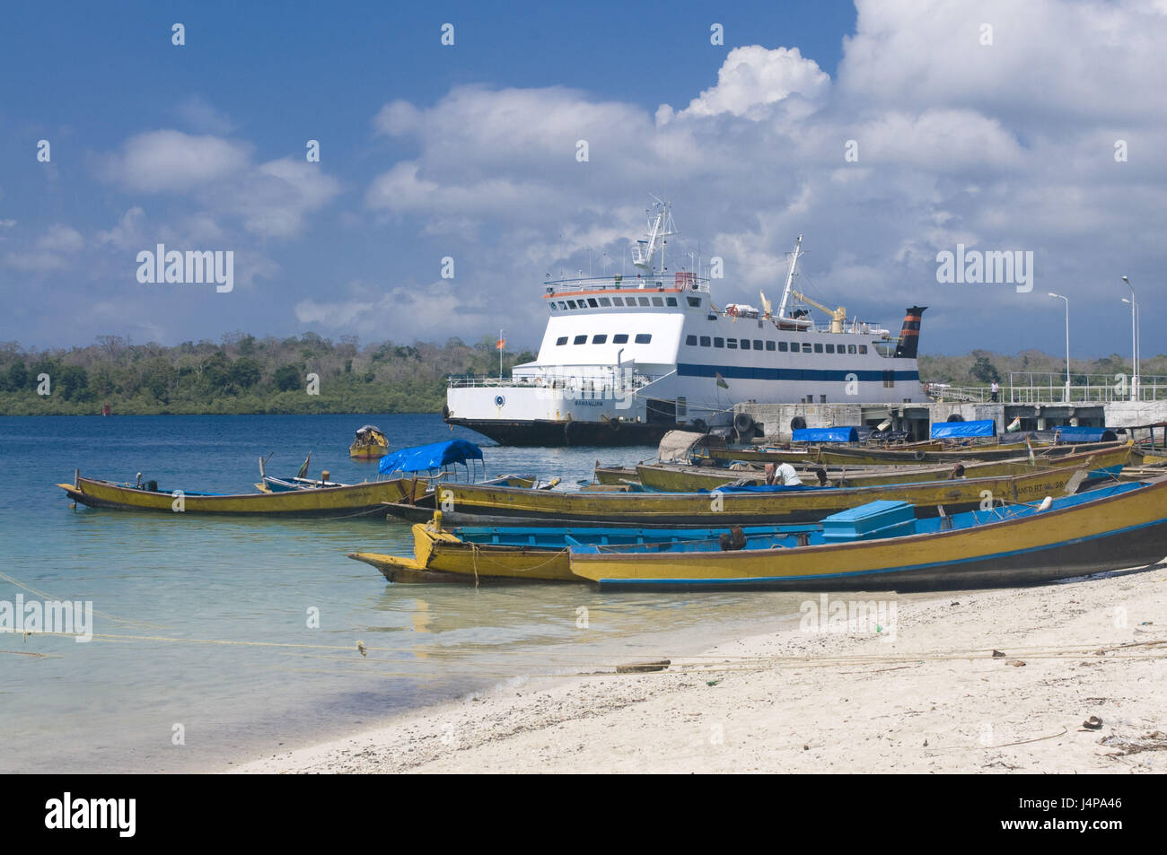 Harbour, ferry, wooden boots, Havelock Insel, Andamanen, India, - Stock Image