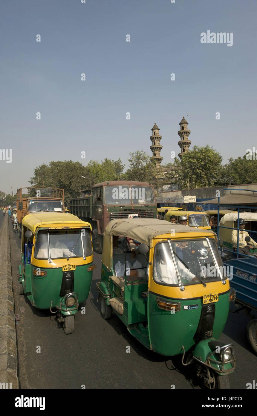 India, Gujarat, Ahmedabad, mosque of Sidi Bashir, minarets, - Stock Image