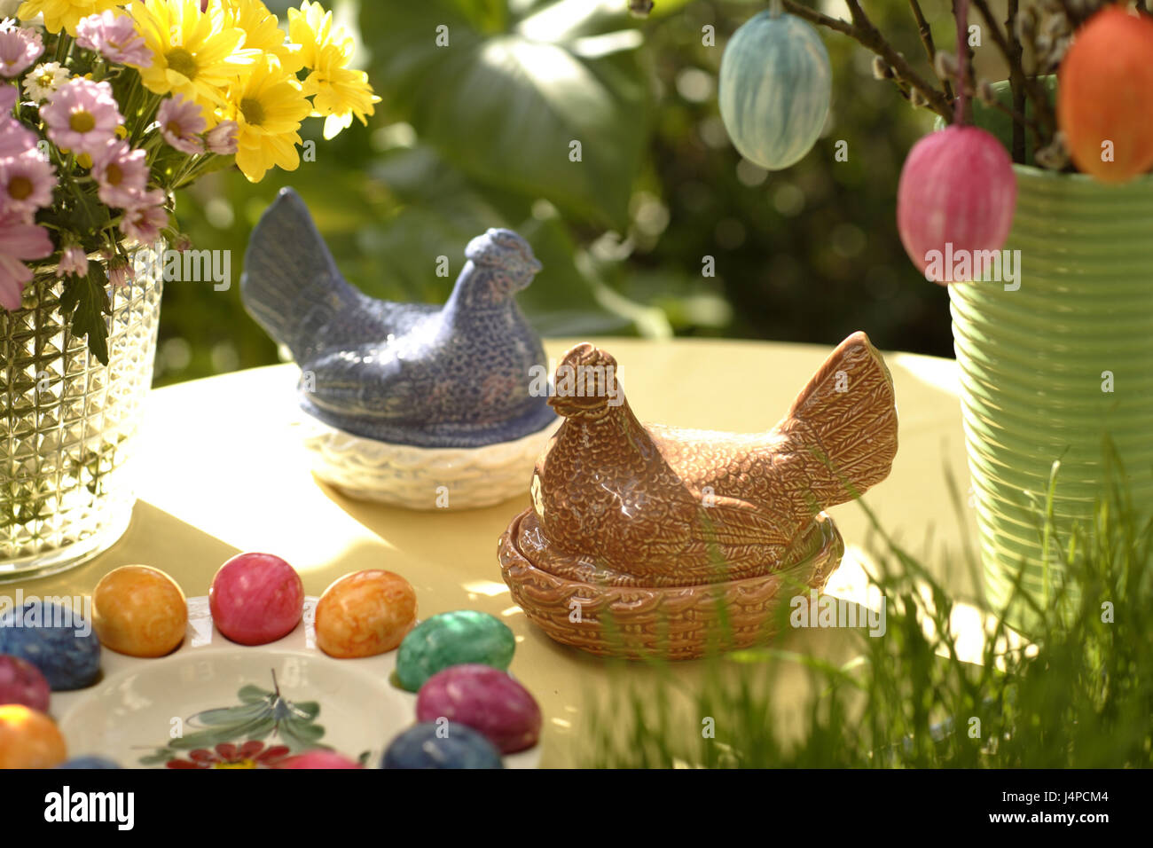 Easter decoration, ceramics, hens, - Stock Image