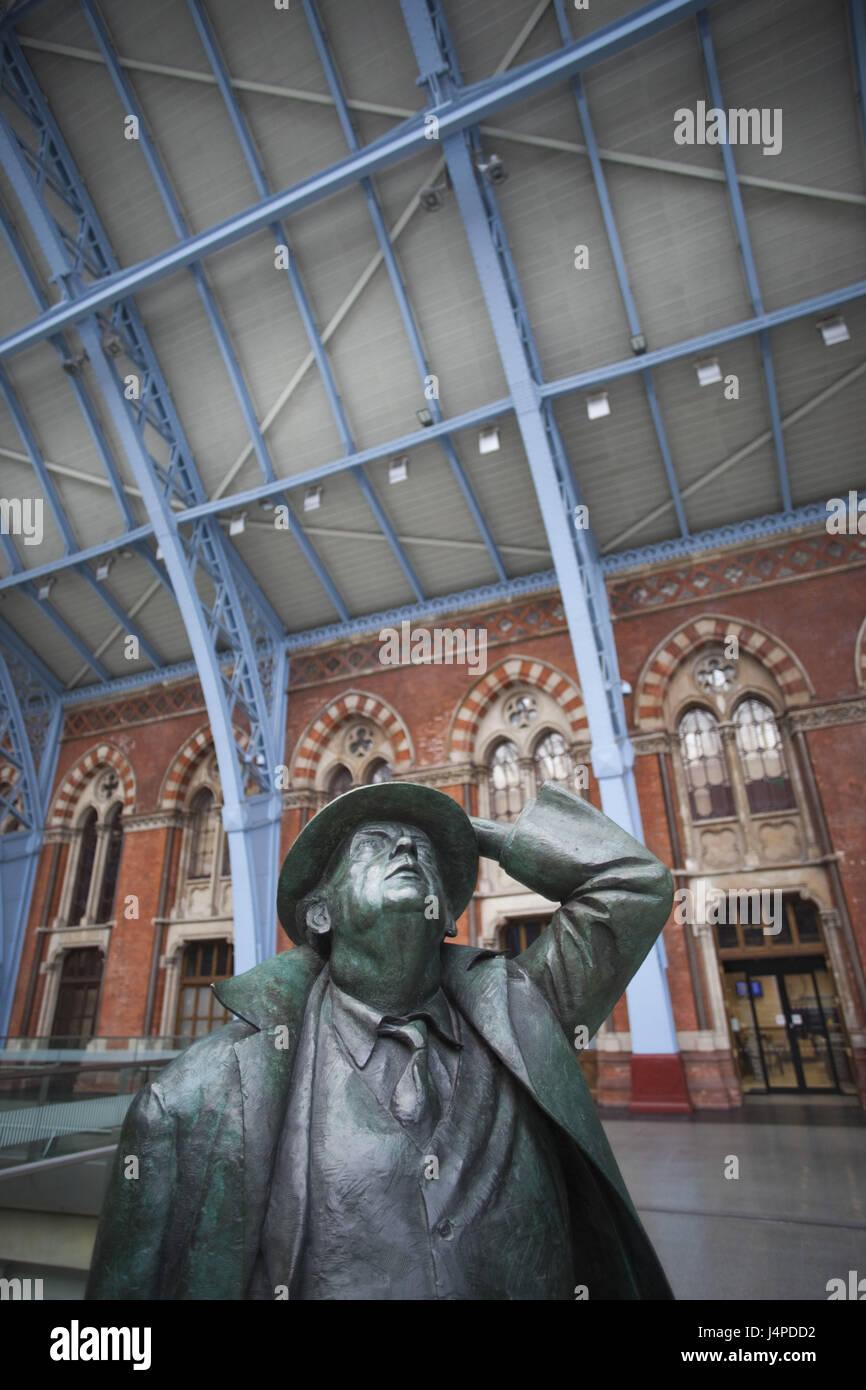 Great Britain, England, London, St. Pancras of station, statue, 'sir John Betjeman', Martin Jennings, - Stock Image