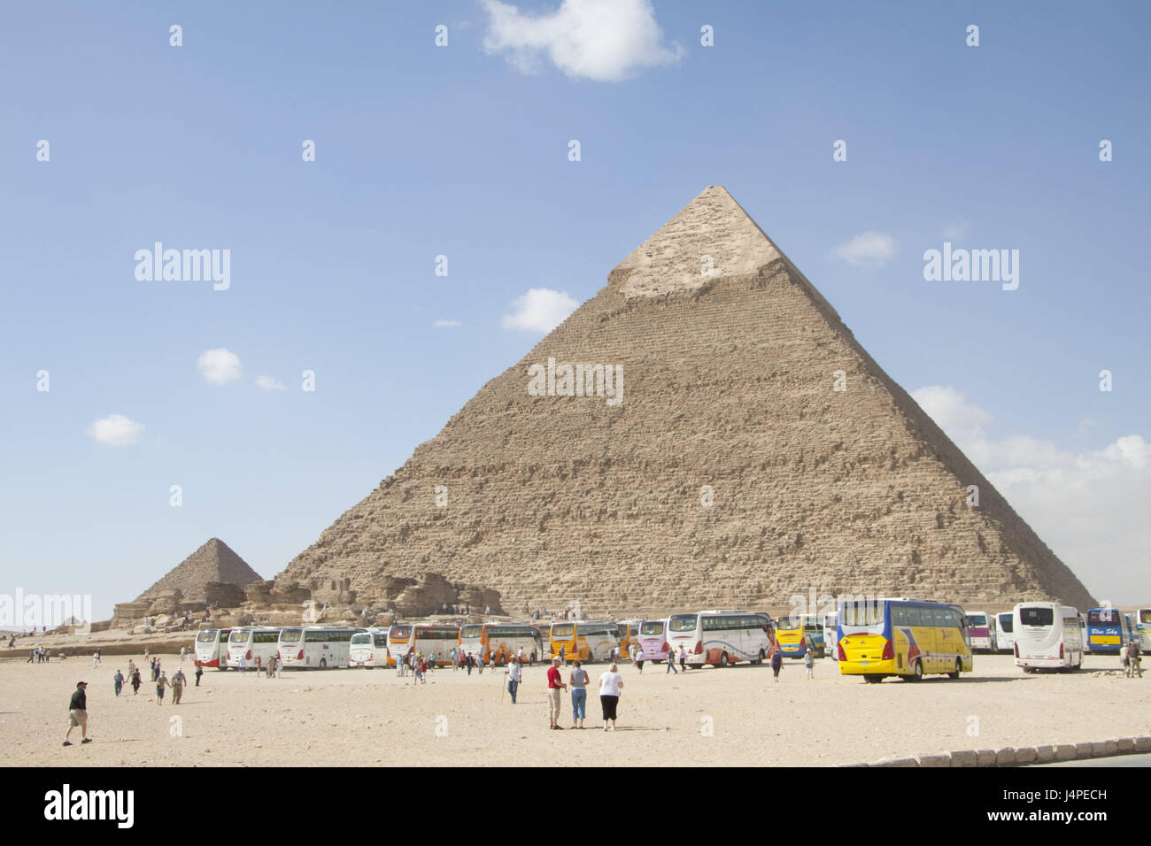 Egypt, pyramids of Gizeh, tour buses, tourists, people, pyramids, holiday buses, park, places of interest, excursion, - Stock Image