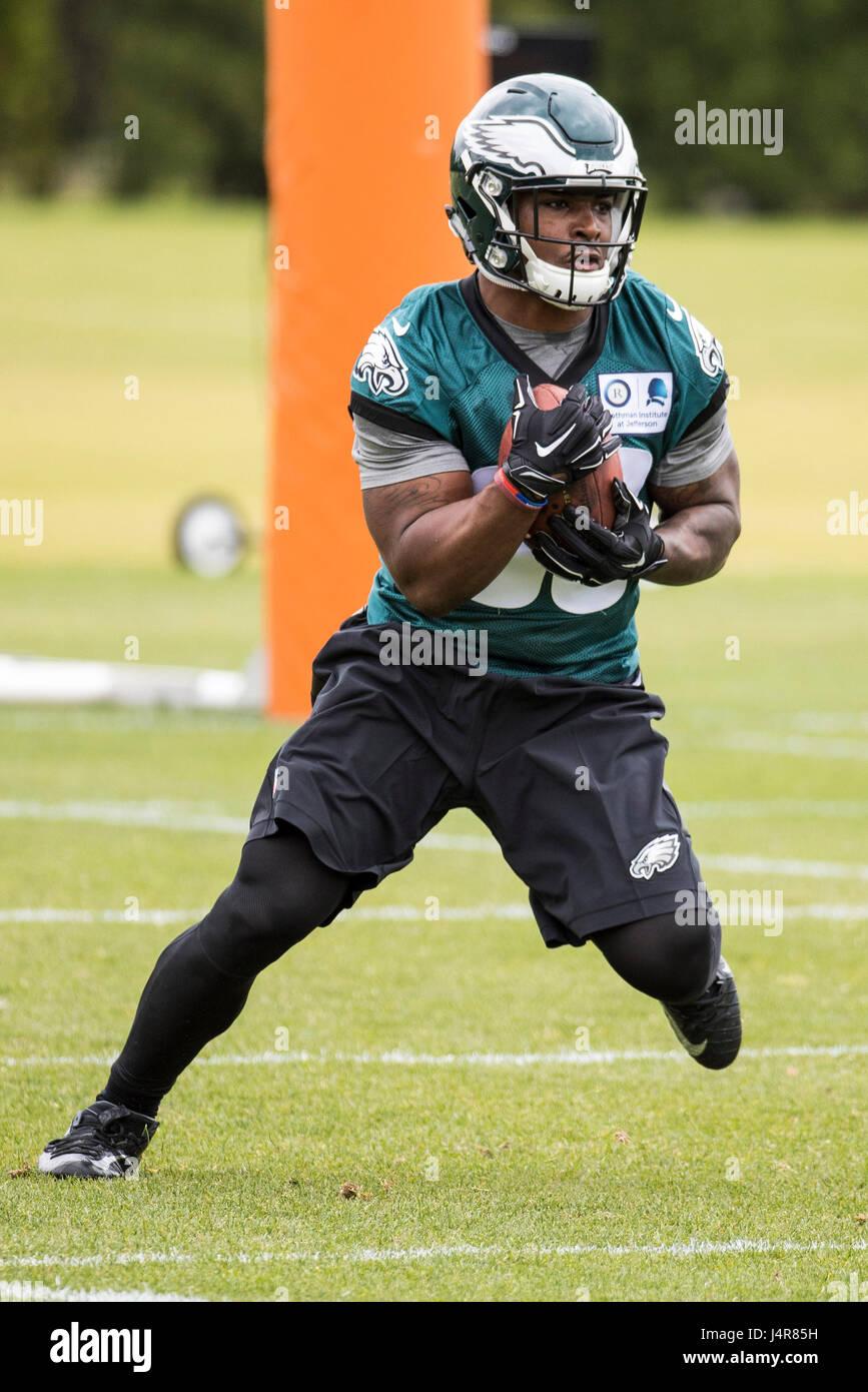 Philadelphia, Pennsylvania, USA. 12th May, 2017. Philadelphia Eagles running back Corey Clement (30) runs drills - Stock Image