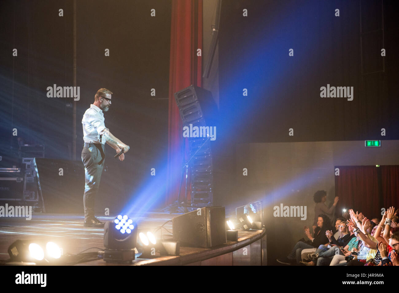 """Turin, Italia. 13th May, 2017. 13 May 2017 - Marco Masini on stage at theater """"Colosseo"""", Turin, with his """"SPOSTATO Stock Photo"""
