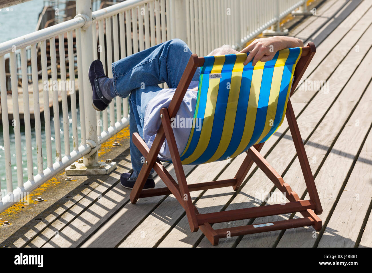 Bournemouth, Dorset, UK. 14th May, 2017. UK weather: lovely warm sunny day as temperatures rise and visitors head - Stock Image