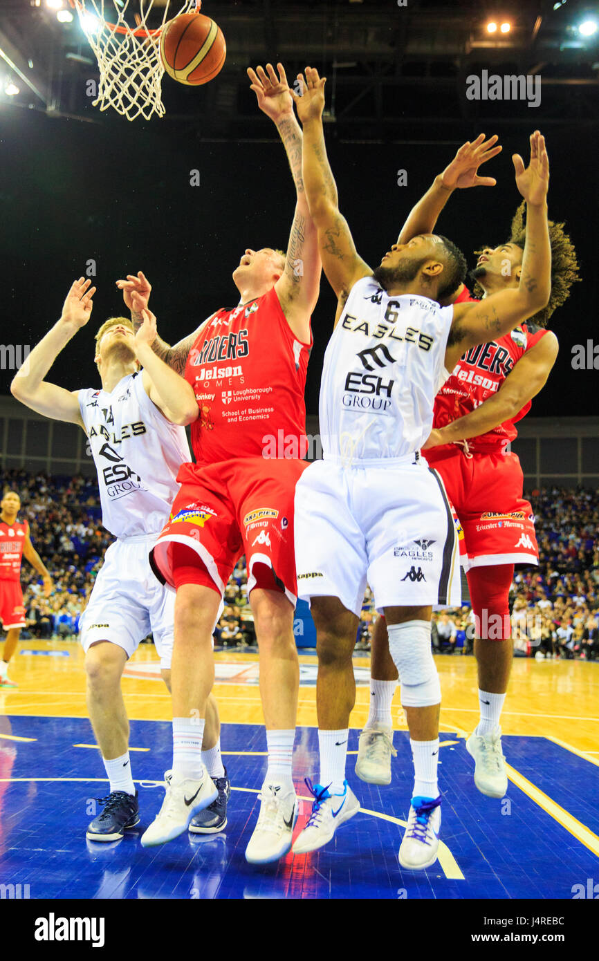 O2 Arena, London, UK, 14th May 2017. Tensions run high at the BBL basketball  Playoff Final 2017 between Cup winners - Stock Image