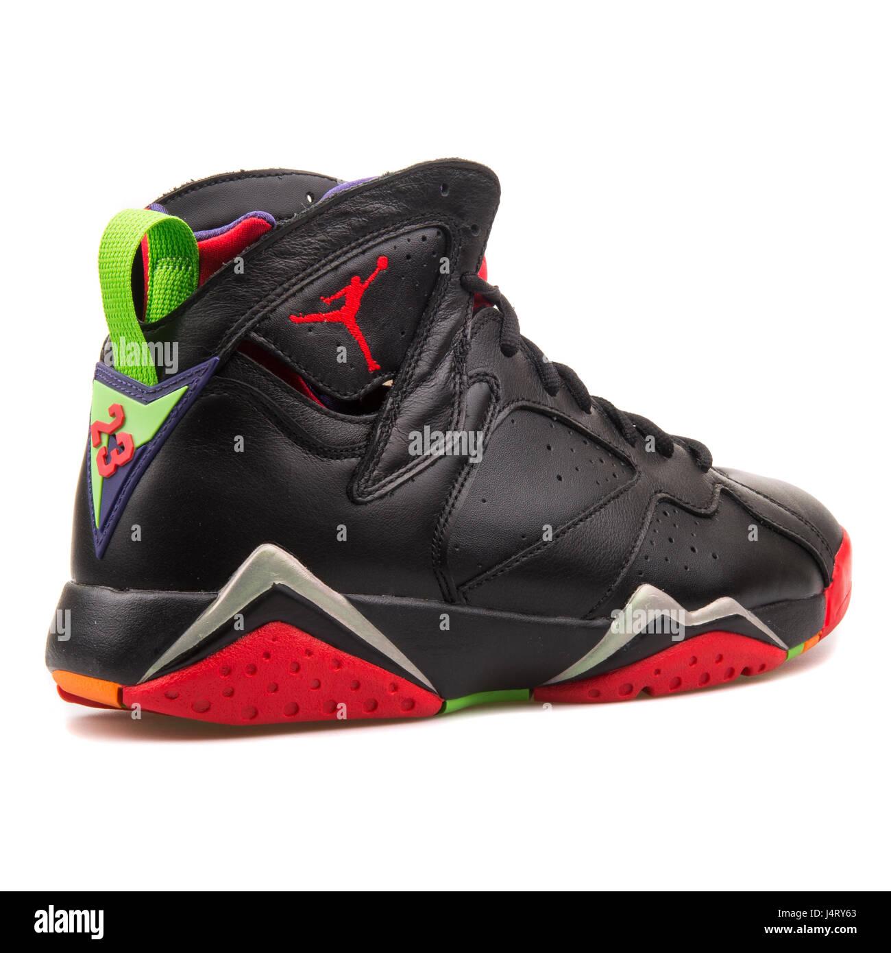 new arrivals 09df5 58e5e Nike Air Jordan 7 Retro - 304775-029 Stock Photo: 140667803 ...