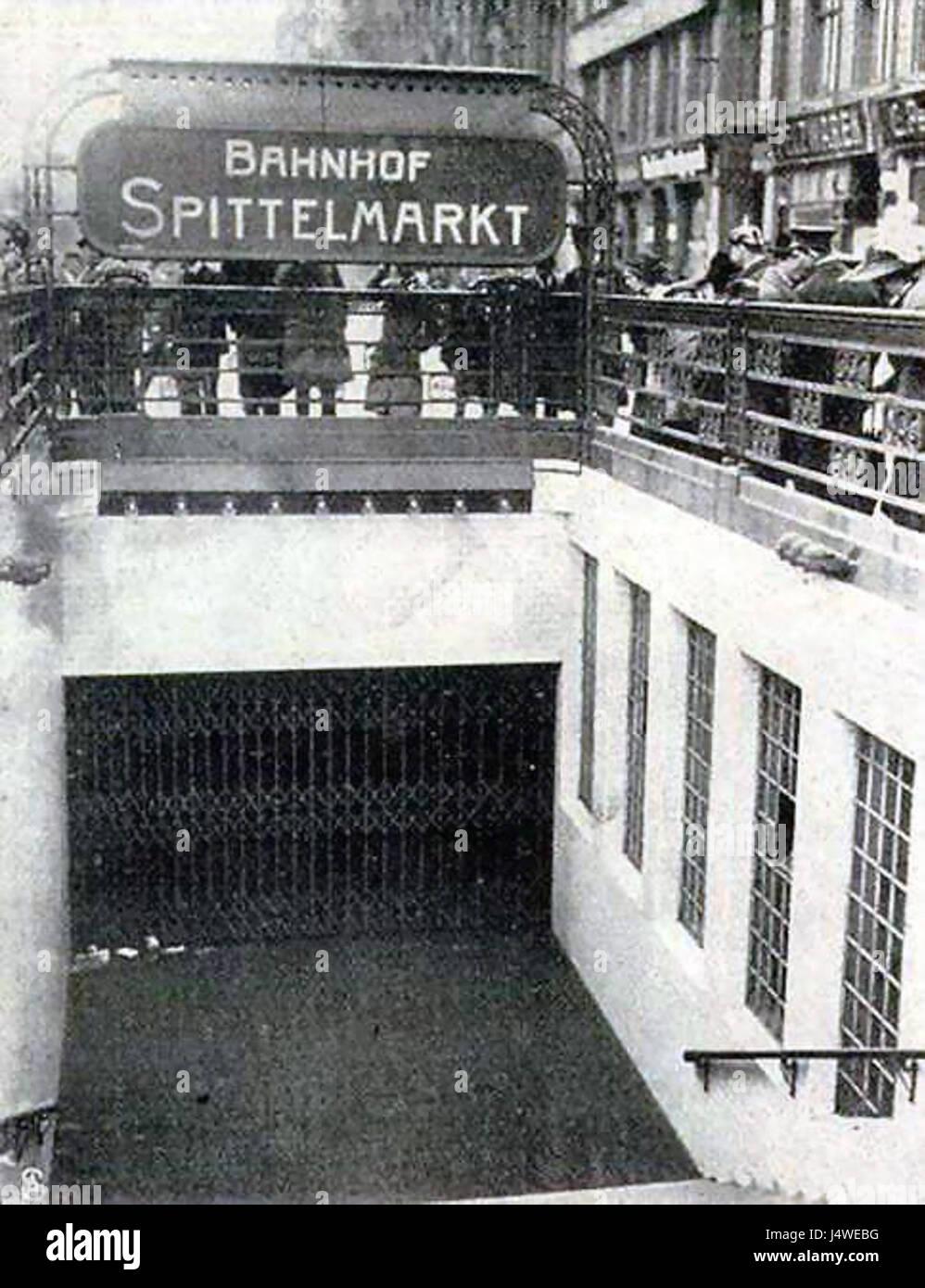 U Bahn Berlin Spittelmarkt Unfall 1912 Stock Photo