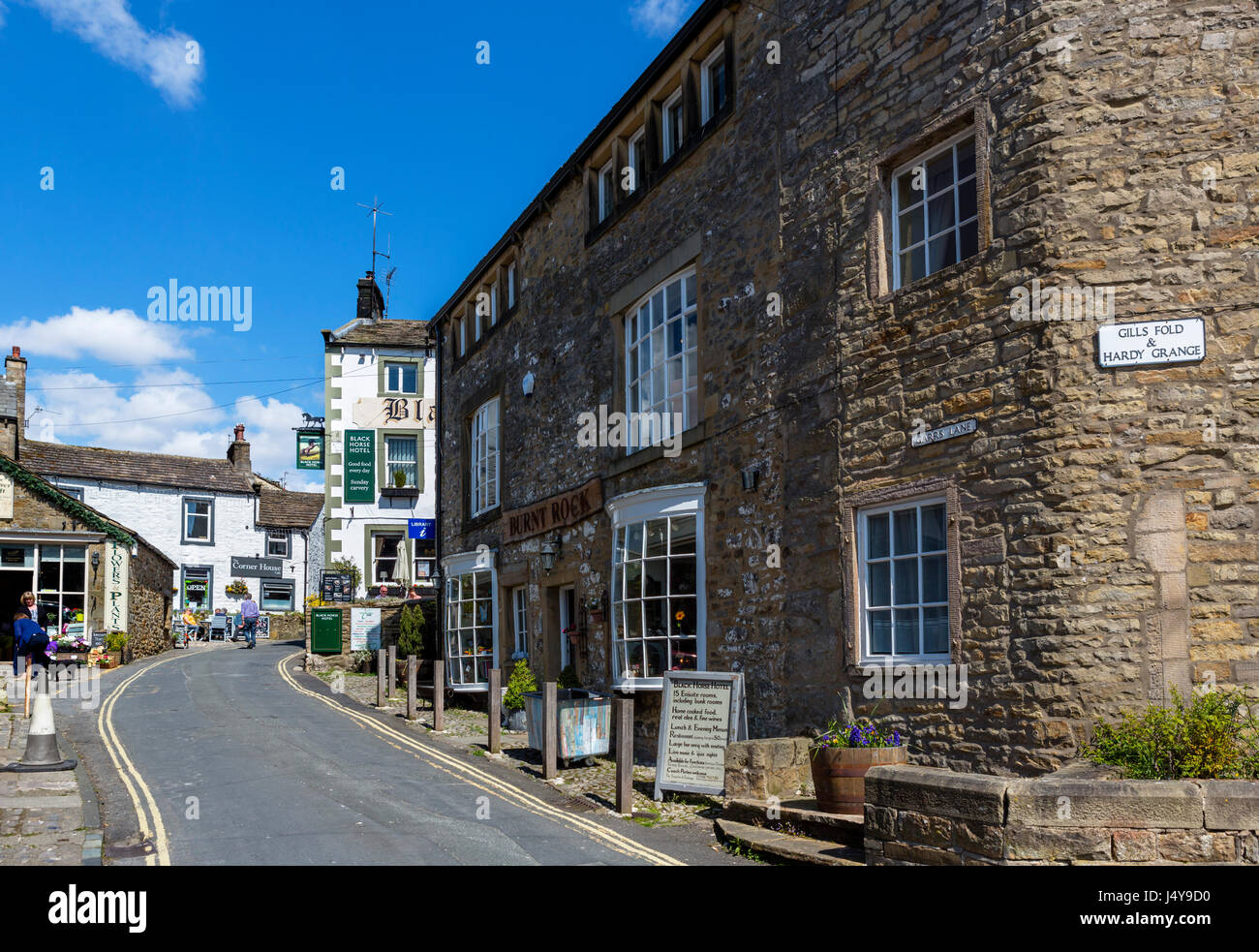 Street in the traditional English village of Grassington, Wharfedale, Yorkshire Dales National Park, North Yorkshire, England, UK. Stock Photo