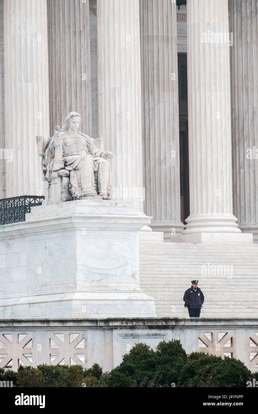 U.S. Supreme Court with Guard, Washington, DC - Stock Image