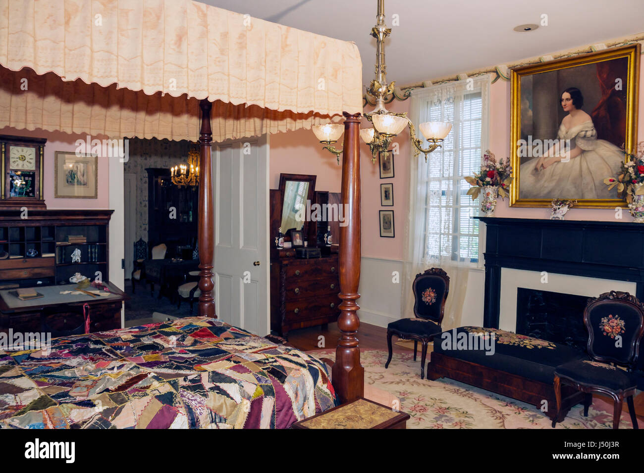 Alabama,Montgomery County,Montgomery,First White House of the Confederacy,Jefferson Davis,Civil War,bedroom,canopy,painting,interior,antique,furniture Stock Photo