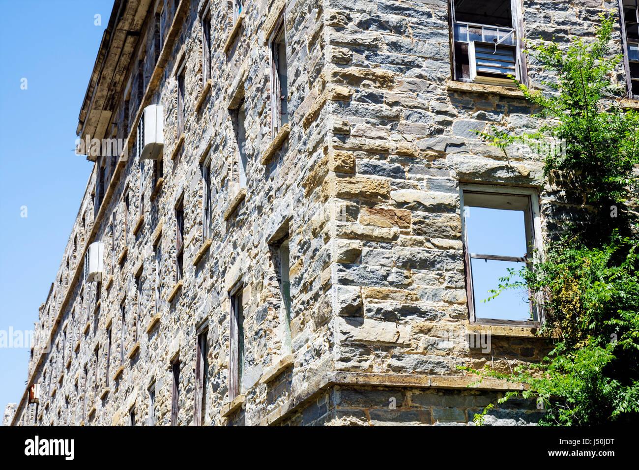 Alabama Tallasee mill ruins stone walls historic preservation textile factory 1852 Confederate uniforms Civil War - Stock Image