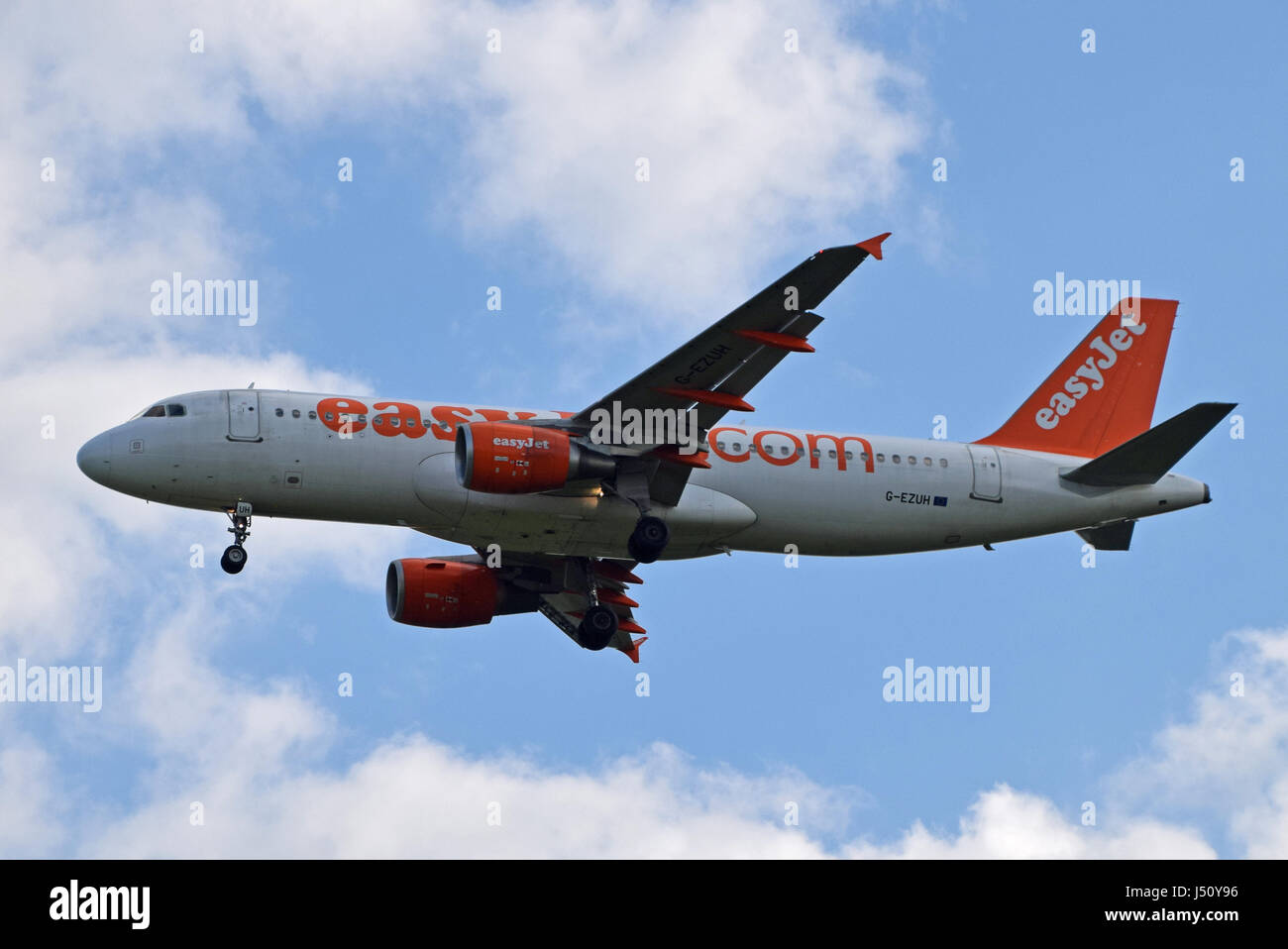 G-EZUH easyJet Airbus A320-200 - cn 4708 on final approach to LGW London Gatwick airport - Stock Image