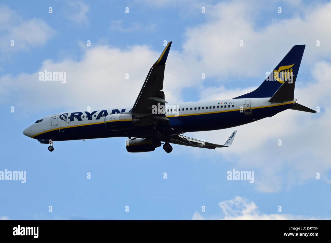 EI-DCO Ryanair Boeing 737-800 - cn 33809 / 1592 on final approach to LGW London Gatwick airport - Stock Image