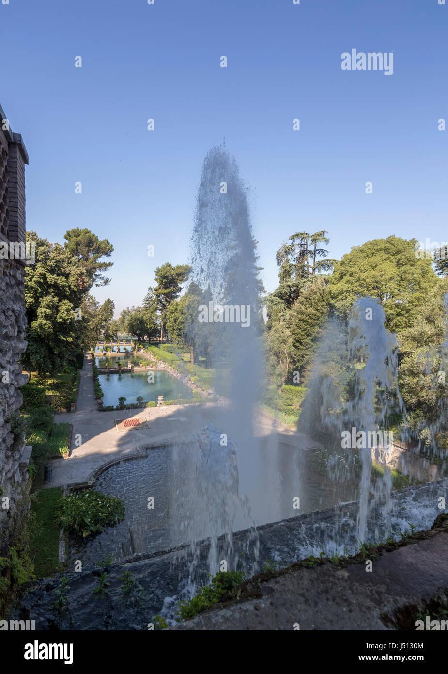 The Fountain of Neptune (Fontana di Nettuno) and the Fish ponds, Villa d'Este, Tivoli, near Rome, Italy - Stock Image