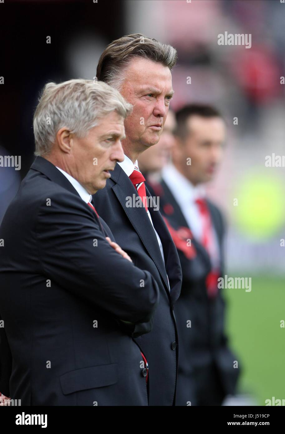 MARCEL BOUT LOUIS VAN GAAL MANCHESTER UNITED MANCHESTER UNITED ASSISTANT CO STADIUM OF LIGHT SUNDERLAND ENGLAND - Stock Image