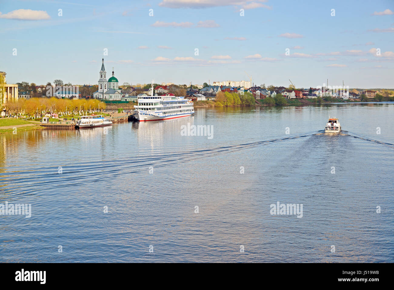 Mans use of the Volga River: navigation, fishing and much more