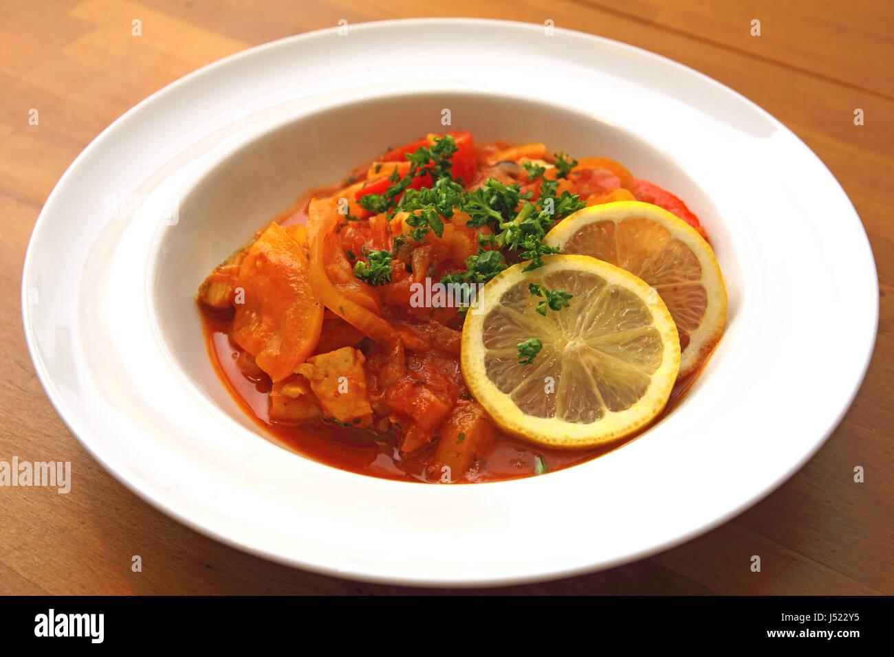 Portugiesischer Fischeintopf (Cataplana) - Stock Image