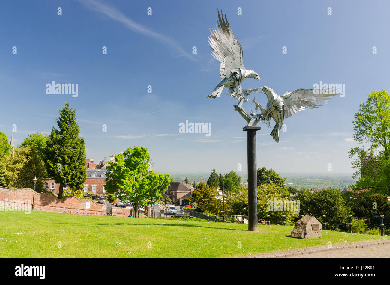 The diamond jubilee sculpture by Walenty Pytel in Rose Bank Gardens in Great Malvern, Worcestershire - Stock Image