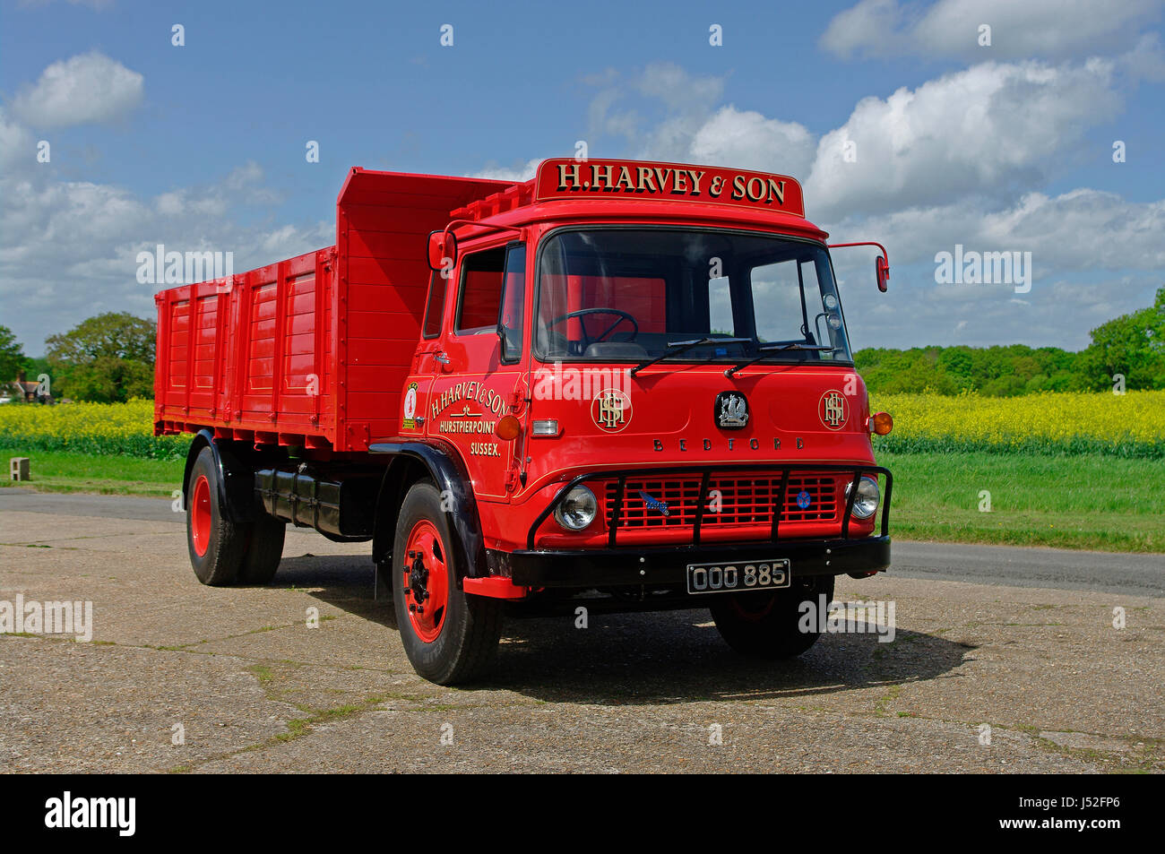 Red Bedford Truck Stock Photos & Red Bedford Truck Stock