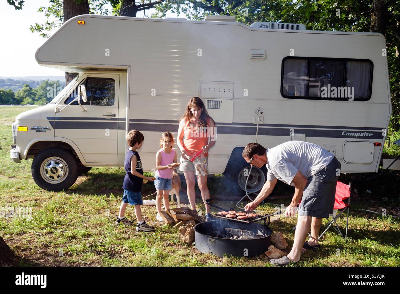 Arkansas Eureka Springs Turpentine Creek Wildlife Refuge RV