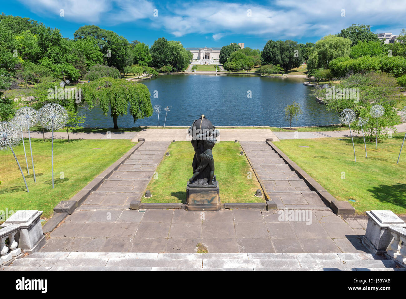 Landscape view on park Wade Lagoon and the Cleveland Museum of Art at summer time, Cleveland, OH. - Stock Image