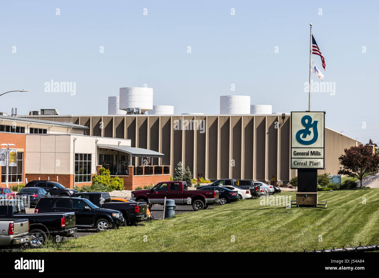 Sharonville - Circa May 2017: General Mills Cereal Plant. General Mills is a manufacturer branded consumer foods - Stock Image