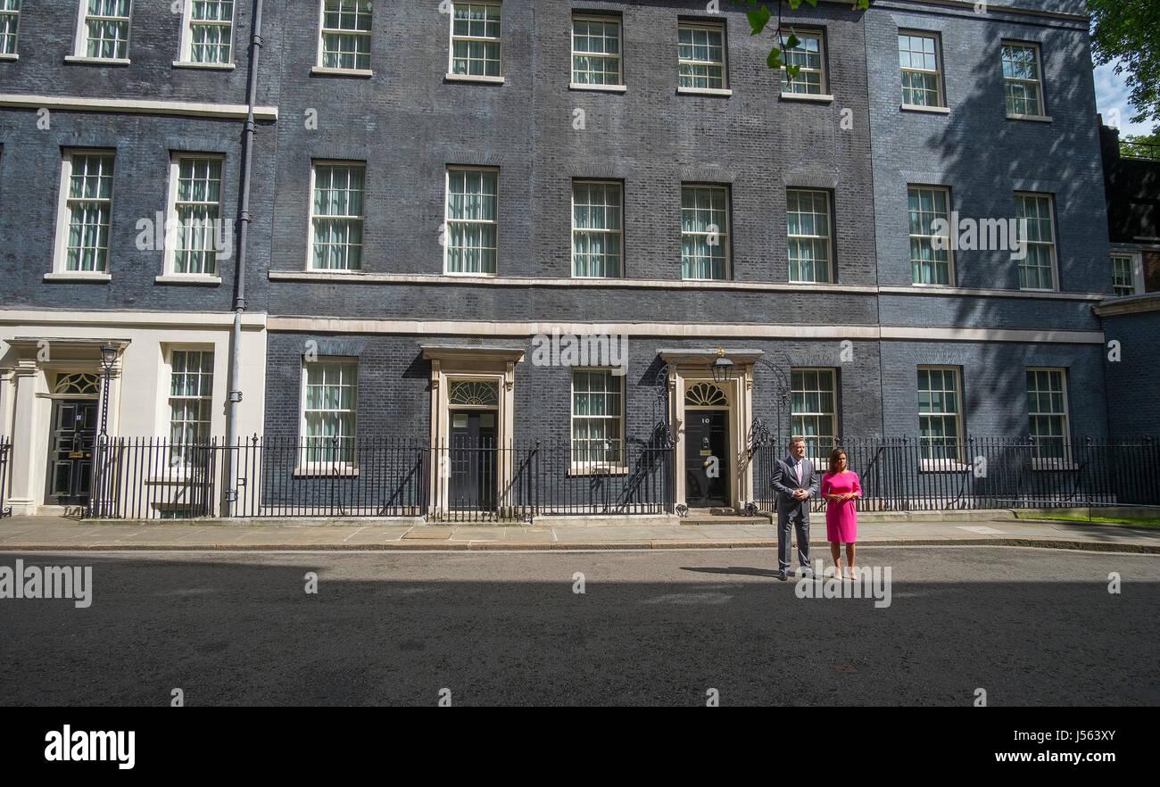 Downing Street, London, UK. 16th May 2017. Good Morning Britain host Susanna Reid outside 10 Downing Street accompanies Stock Photo