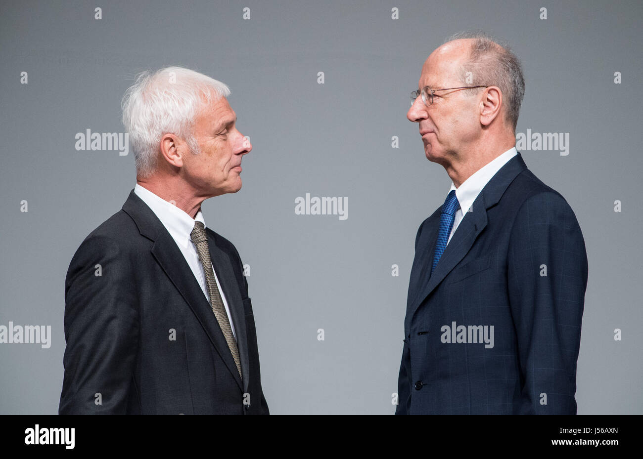 Hanover, Germany. 10th May, 2017. ARCHIVE - Matthias Mueller, the CEO of Volkswagen AG, and director Hans Dieter - Stock Image