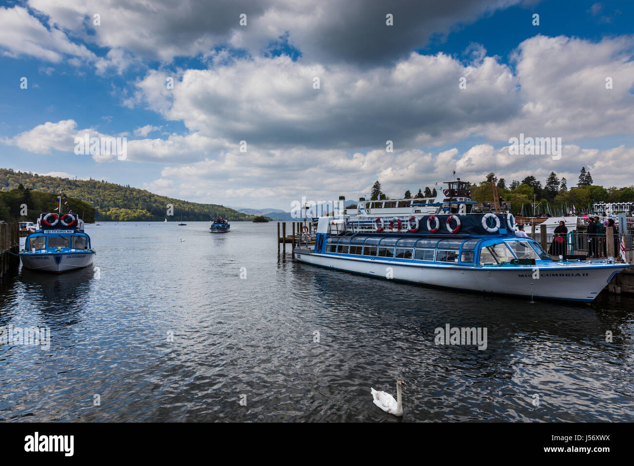 Tourist boat on Windermere arriving at Bowness, Lake District, Cumbria - Stock Image