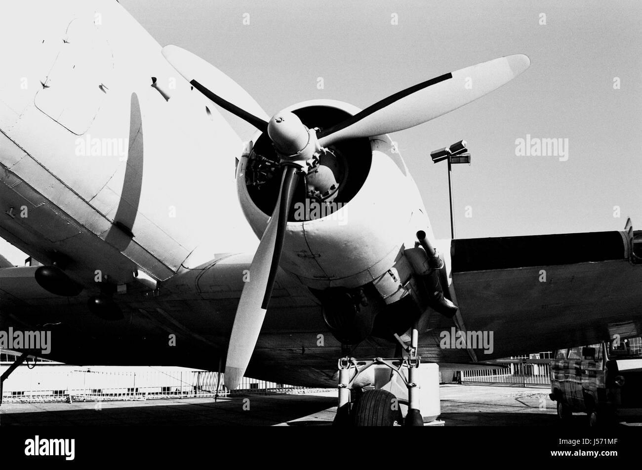 engine drive motor propeller old-timer aircraft aeroplane plane airplane dc 3 - Stock Image
