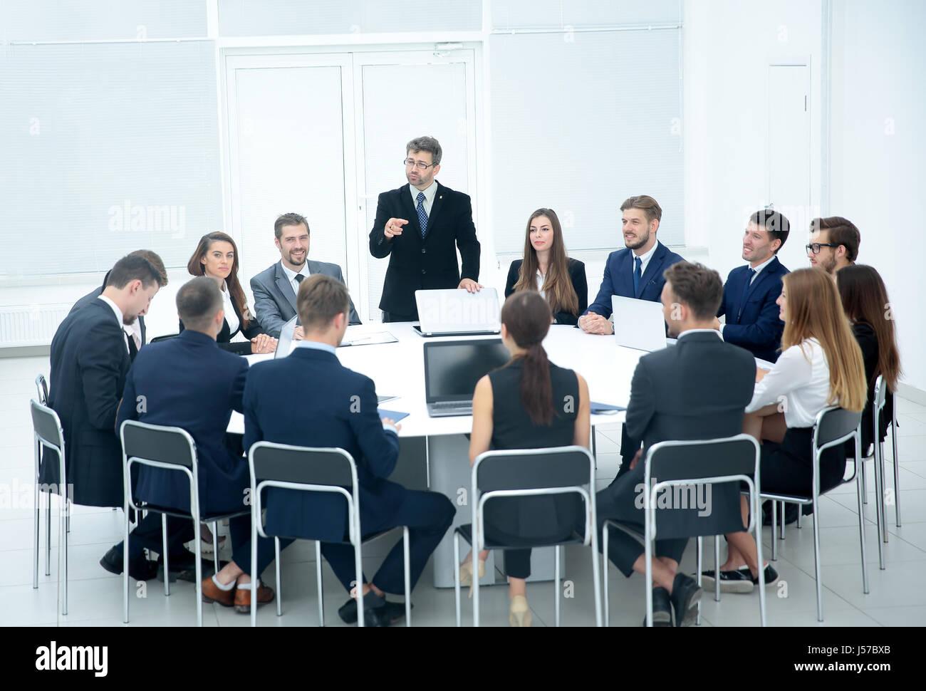 Enjoyable Meeting Brainstorm Round Table Ideas Communication Interior Design Ideas Ghosoteloinfo