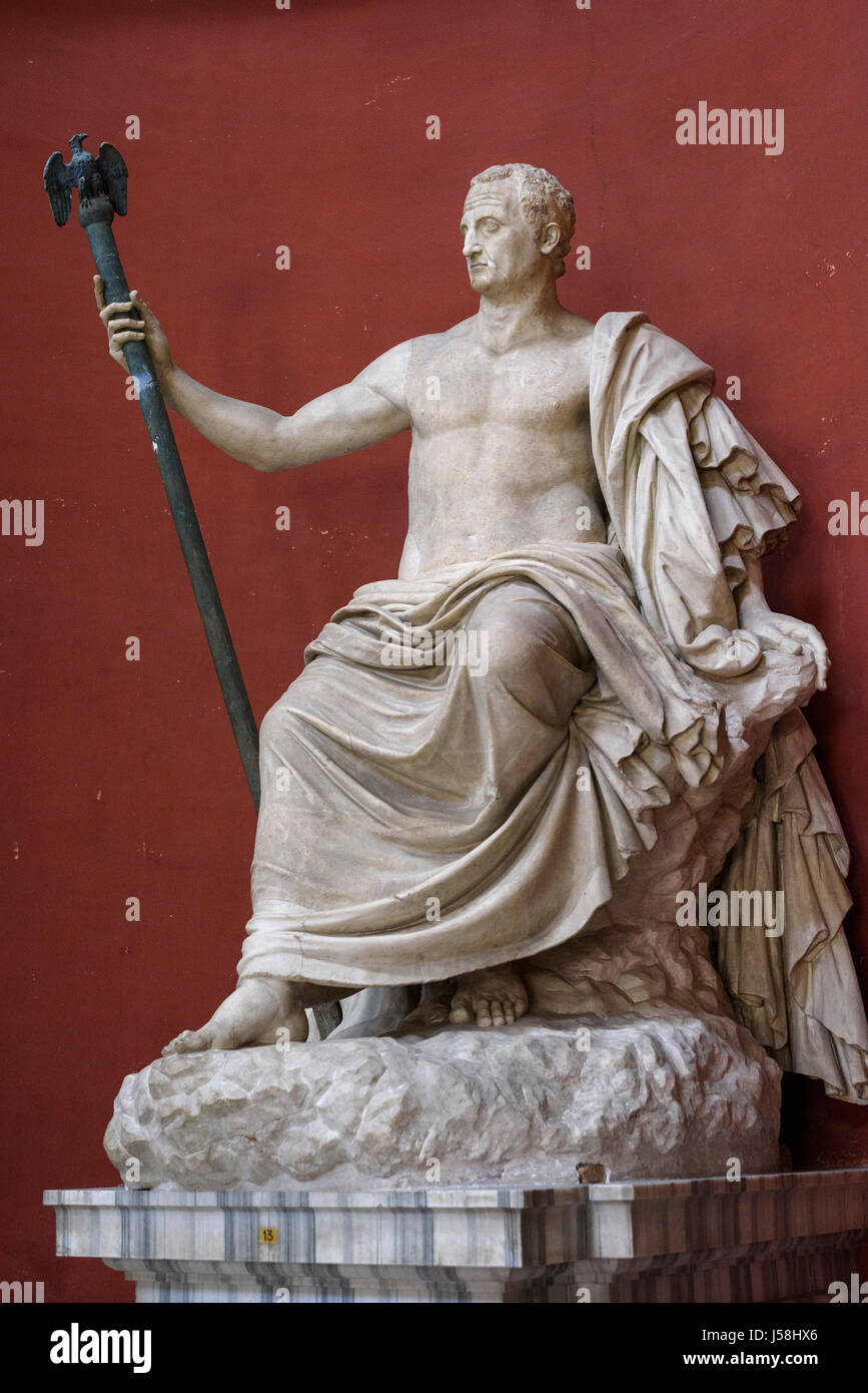 Rome. Italy. Seated statue of Roman Emperor Galba (3 B.C.- 69 A.D.). the Round Hall, Pio Clementino Museum, Vatican - Stock Image