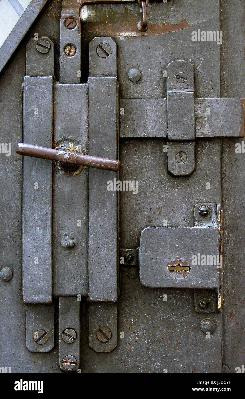 door,screw,screws,bolt,keyhole,screwed,trschlo,klinke - Stock Image