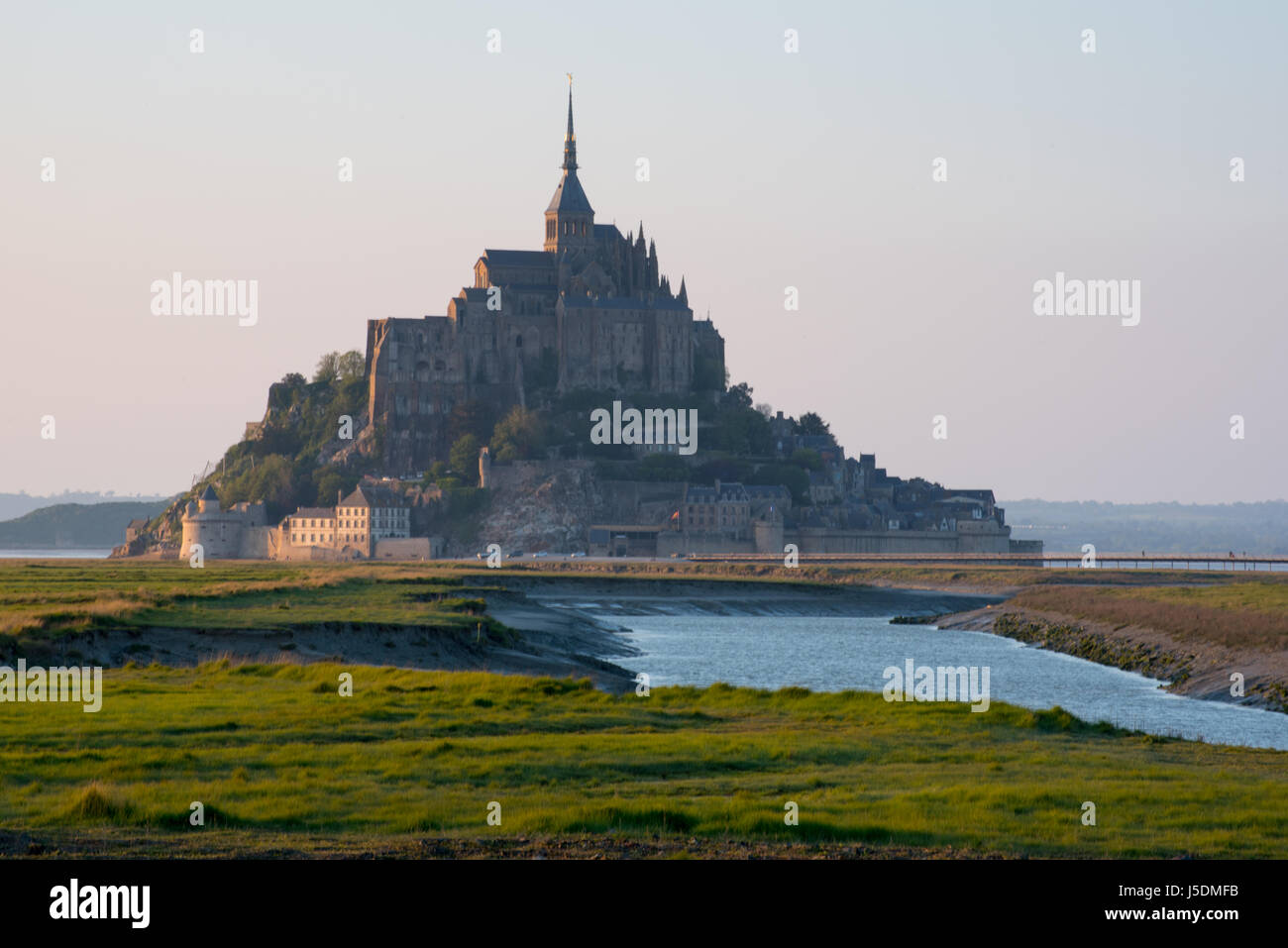 Mont Saint Michel shots from hydraulic dam over the Couesnon river Mont St Michel Stock Photo