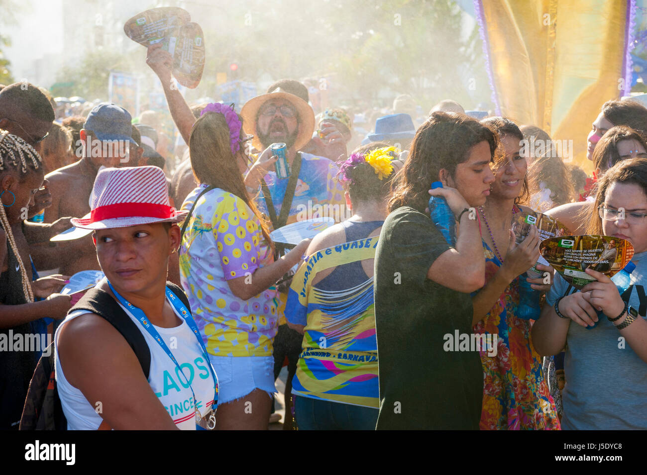 RIO DE JANEIRO - FEBRUARY 18, 2017: An afternoon carnival street party in Ipanema draws crowds of young Brazilians - Stock Image