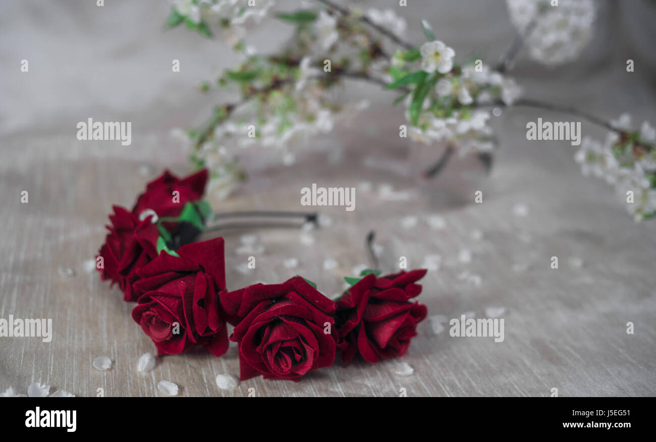 Red wreath flower crown stock photo 141076237 alamy red wreath flower crown izmirmasajfo
