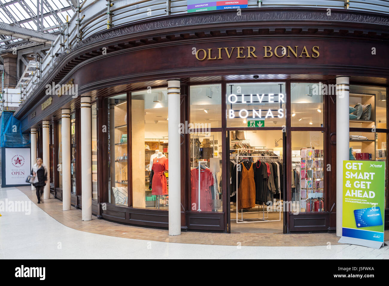 Oliver Bonas Glasgow Central Station - Stock Image