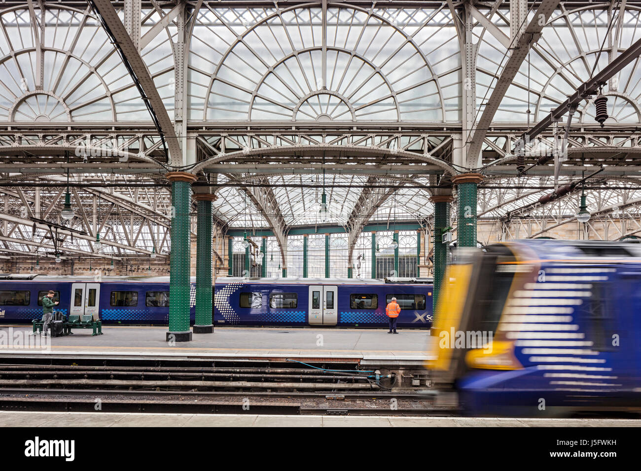 Platforms at Glasgow Central Station - Stock Image