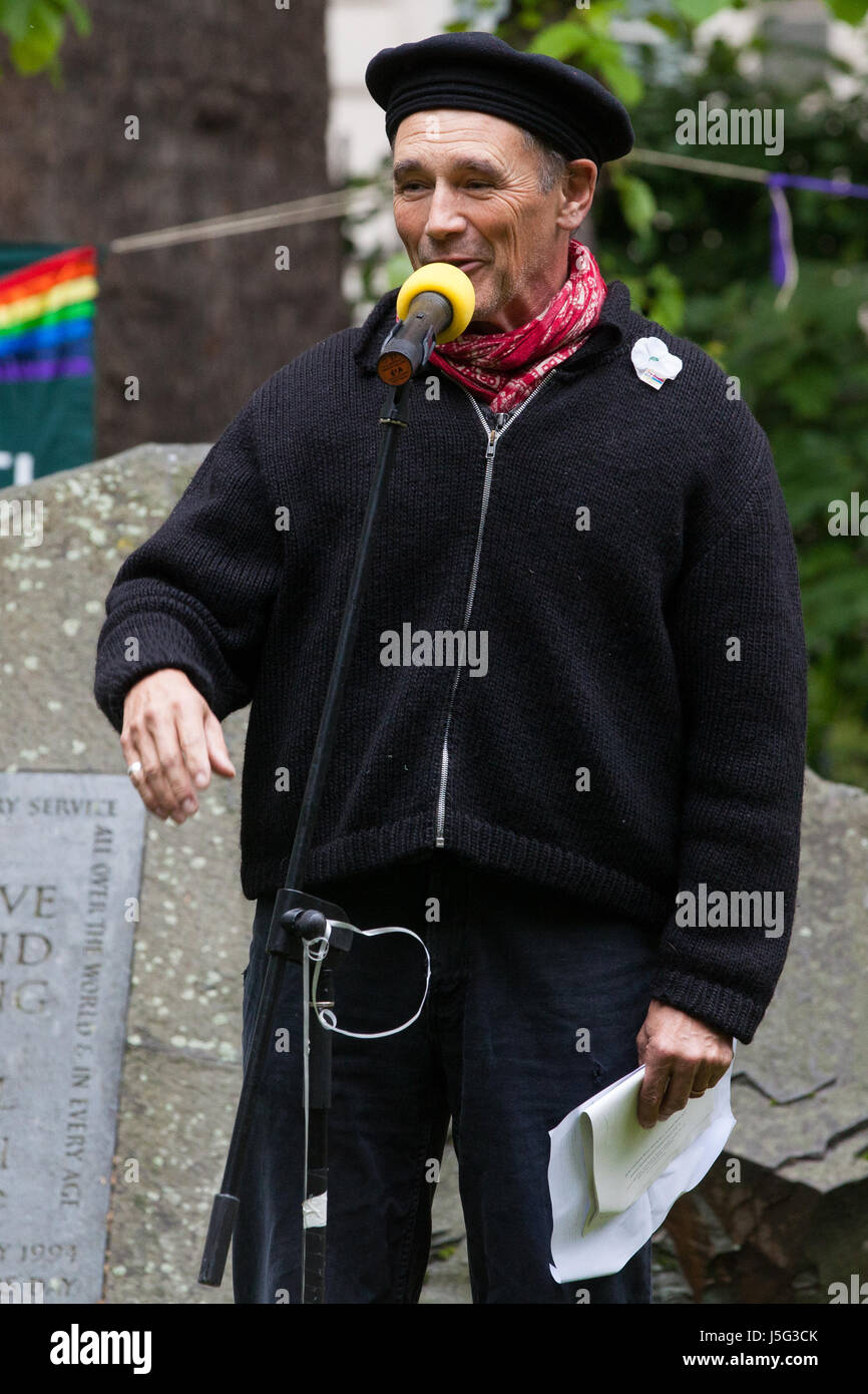 London, UK. 15th May, 2017. Sir Mark Rylance attends a ceremony in honour of conscientious objectors in Tavistock - Stock Image