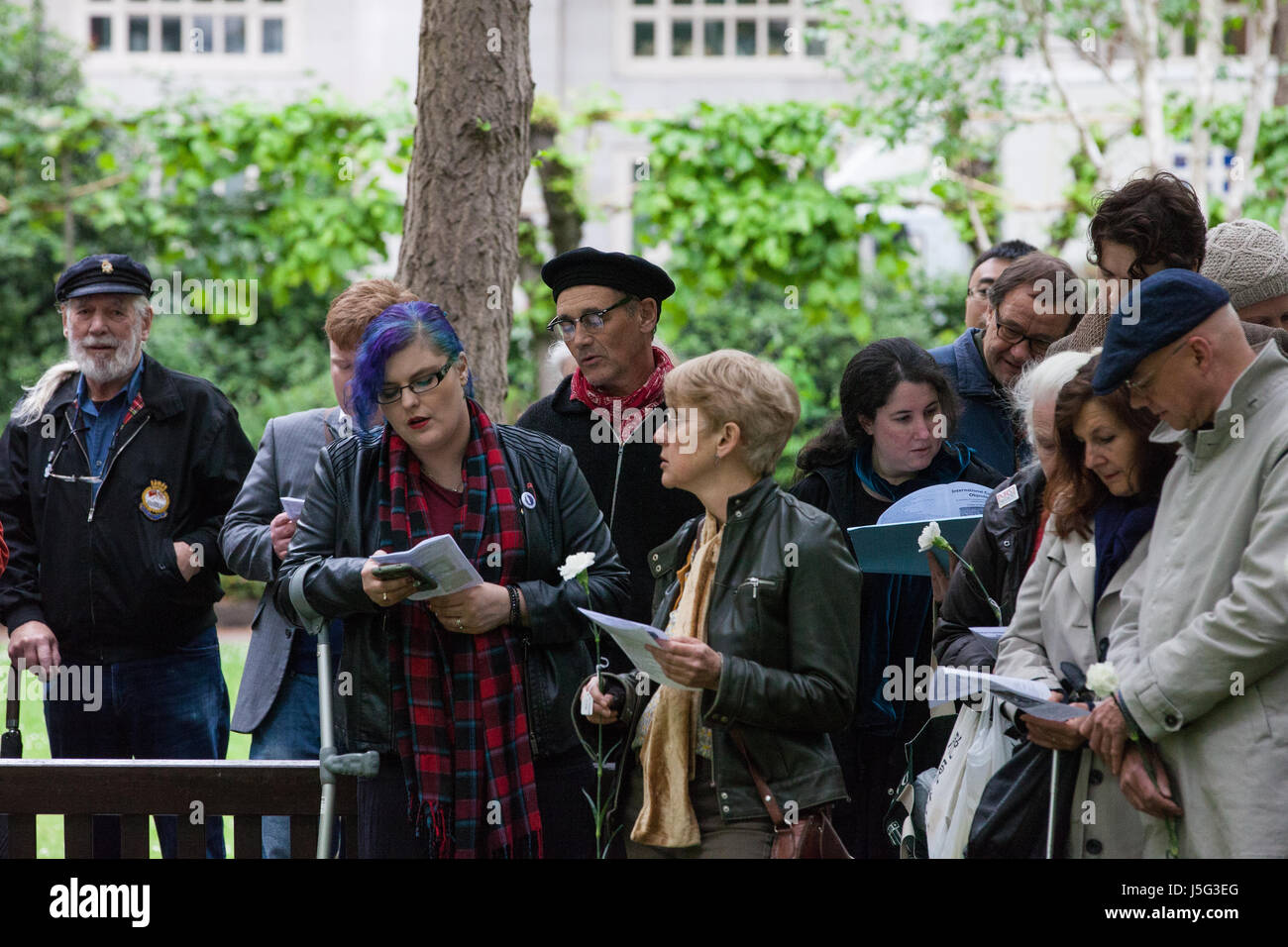 London, UK. 15th May, 2017. Sir Mark Rylance attends a ceremony in honour of all conscientious objectors in Tavistock Stock Photo